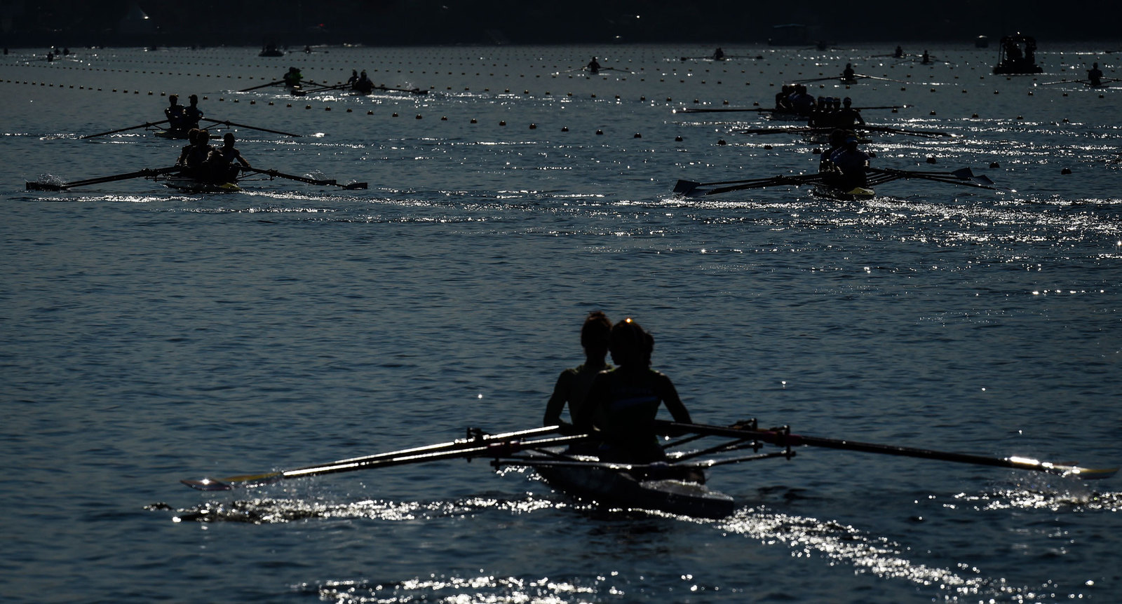 Тренировочные заплывы гребцов