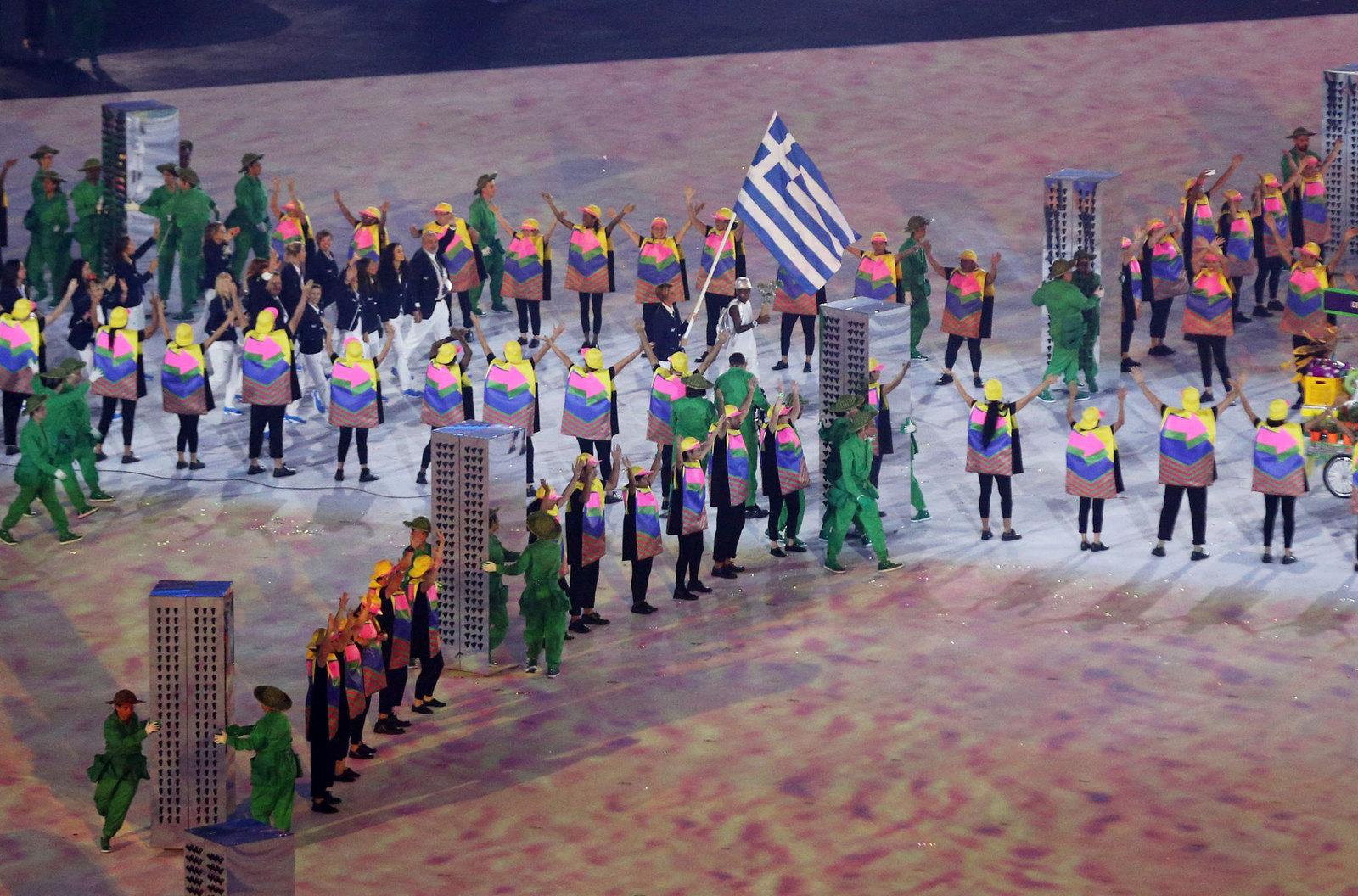 Традиционно парад атлетов открывает греческая сборная