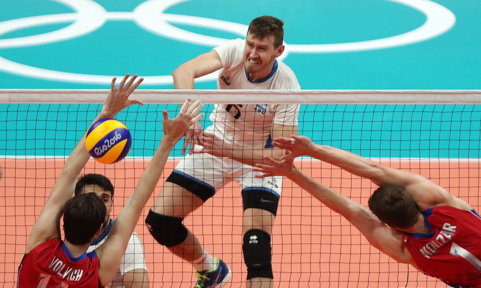 Российские волейболисты уступили Аргентине в матче группового этапа