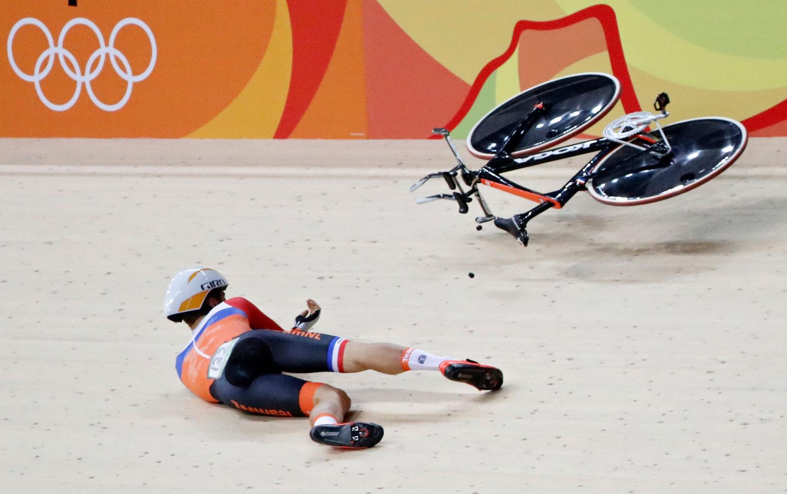 Обидные падение в командном спринте