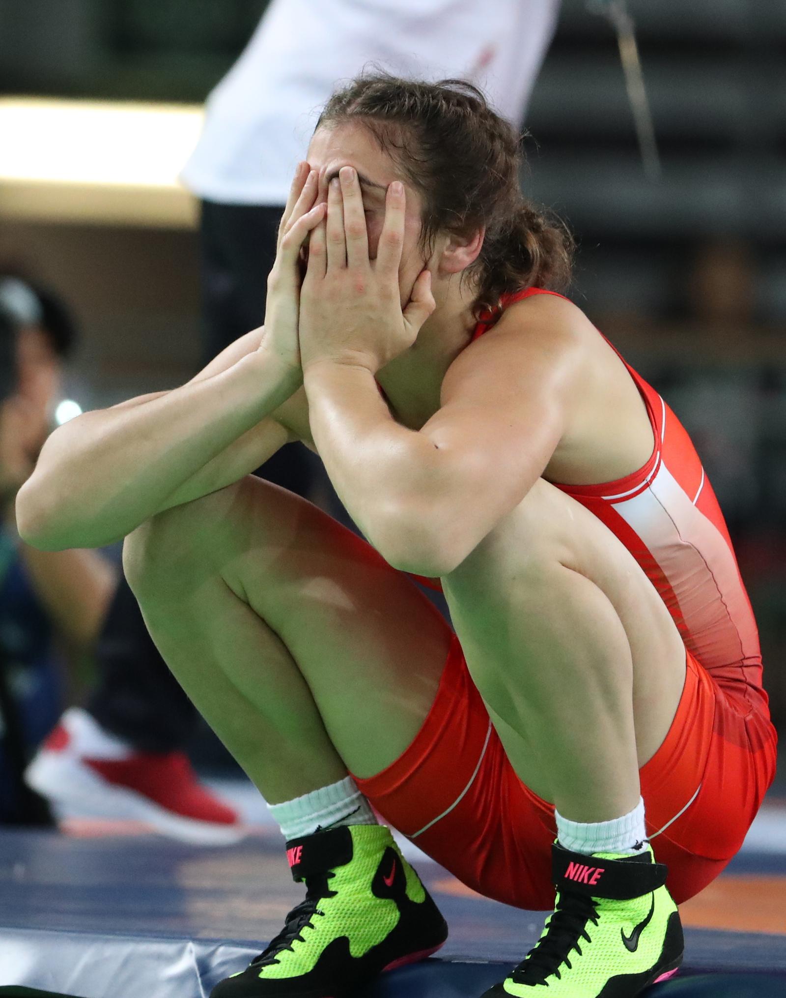 Наталья Воробьева не смогла сдержать эмоций после поражения в финальной схватке с Сарой Дошо