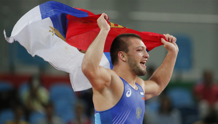 Борец Чакветадзе принес РФ 10-е золото Олимпиады
