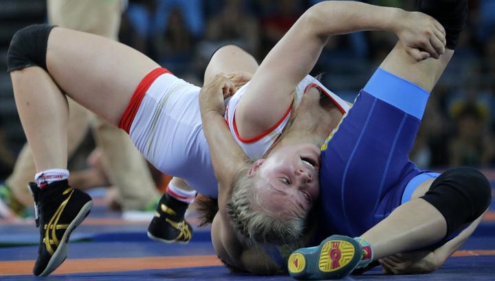 Тражукова одержала вторую кряду волевую победу ивышла вполуфинал Олимпиады