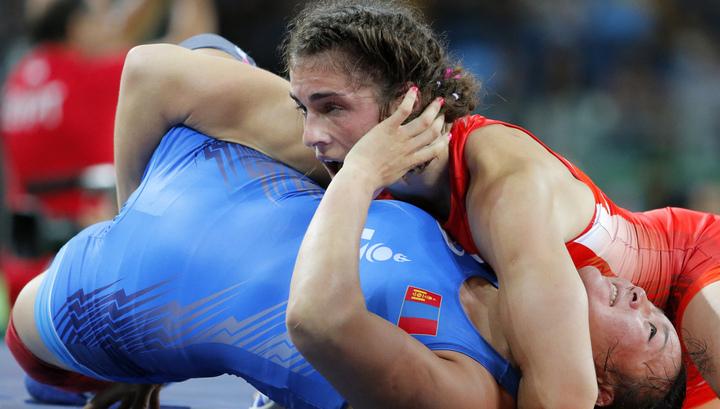 Еще одно серебро: Наталья Воробьёва проиграла японке натурнире повольной борьбе