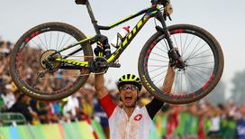 Олимпийский чемпион по маунтинбайку Нино Шуртер