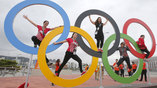 Фотографии в кольцах - популярное развлечение среди спортсменов и гостей Олимпиады
