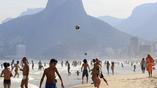 Жара в Рио гонит горожан и гостей олимпиады на побережье