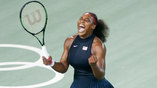 Серена Уильямс радуется очередной победе на олимпийском турнире