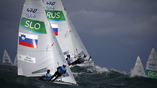 Большая волна и ухудшающаяся погода не помешала соревнованиям по парусному спорту