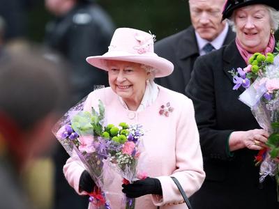 королева елизавета поблагодарила поздравления юбилеем твитом