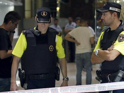 Сумасшедший открыл стрельбу в торговом центре в Испании