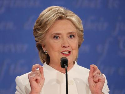 хиллари клинтон призвала борьбе ложными новостями