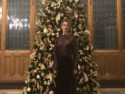 мария захарова рассказала платья носит