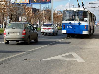 На выделенные полосы могут пустить всех автомобилистов