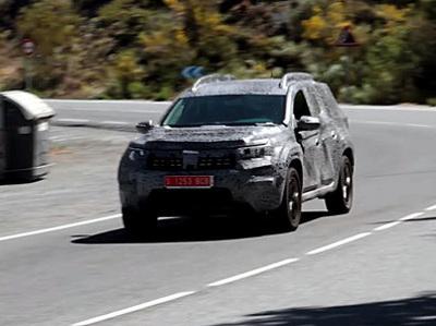 Новый Renault Duster впервые засняли на видео