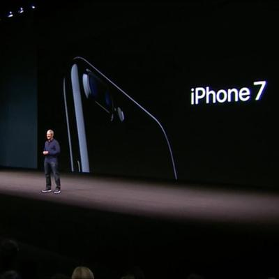 Седьмой iPhone взорвался и сгорел в коробке во время доставки