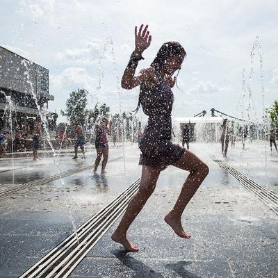Жара и кратковременные дожди ожидаются в Москве и сегодня