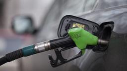 Акцизы на топливо поднимут для строительства дорог Крыма и Калининграда
