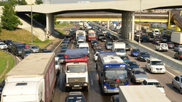 В ближайшие дни грузовикам запретят ездить днем