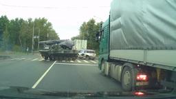 Дрифт армейского БМД в Рязани закончился аварией
