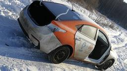 Разобранный автомобиль московского каршеринга обнаружили в поле