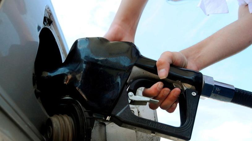 В России одобрили повышение акцизов на бензин и автомобили
