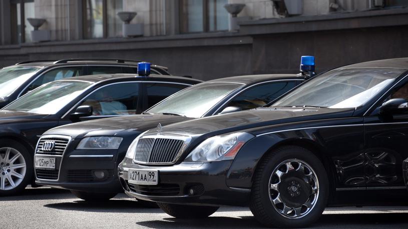 Чиновникам Грузии запретили ездить на черных автомобилях