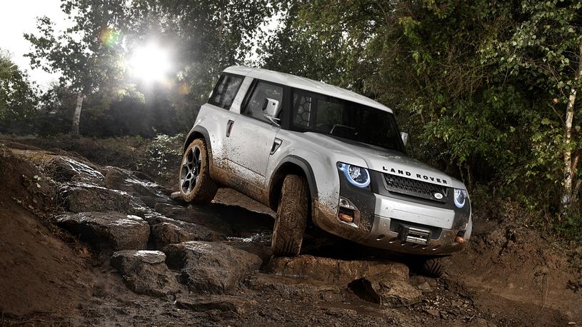 Стало известно, когда представят новый Land Rover Defender
