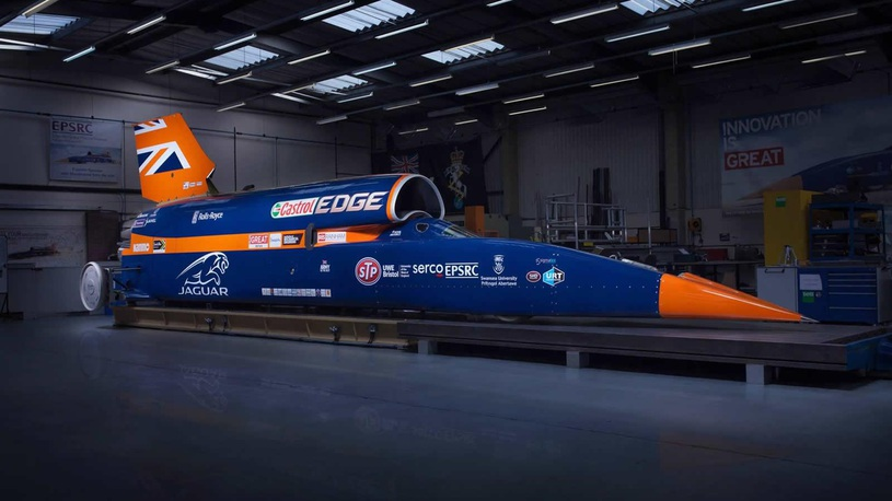 Претендующий на рекорд скорости ракетомобиль прошел первые тесты