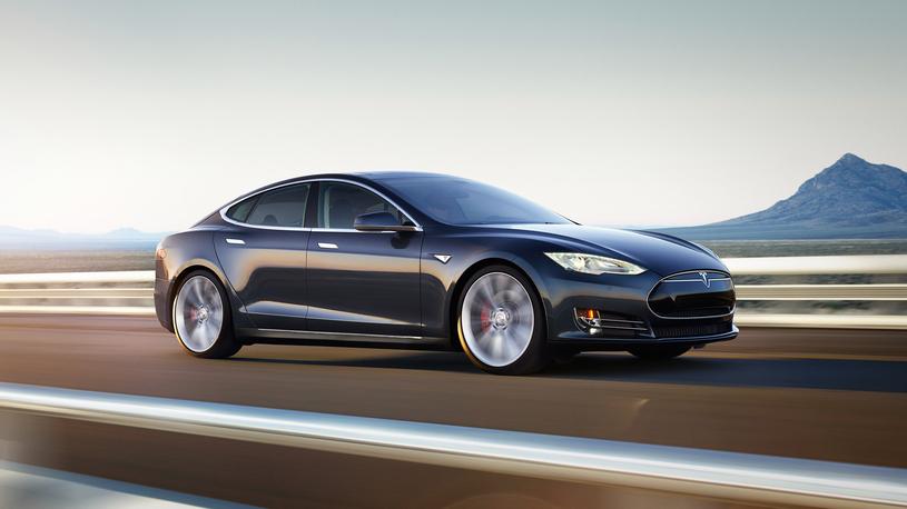 Электромобили Tesla могут получить систему