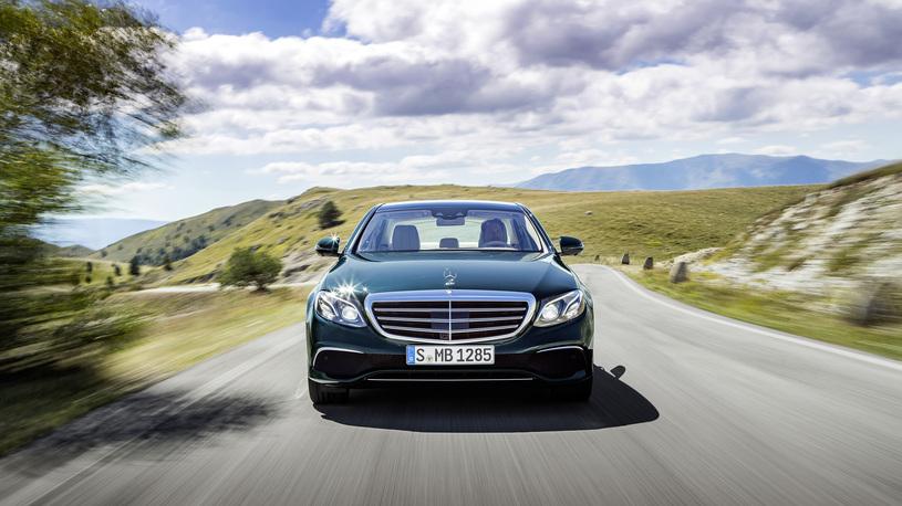 Посчитали-прослезились: светодиодные фары нового Mercedes-Benz E-класса