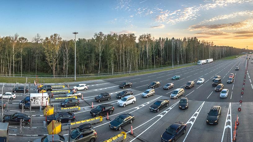 Запуск платной трассы Москва – Санкт-Петербург вновь отложили