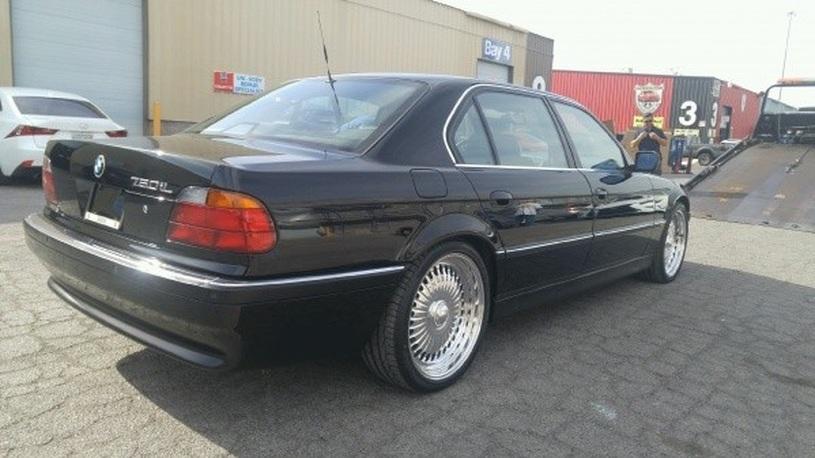 Выставлен на продажу BMW, в котором был застрелен Тупак Шакур