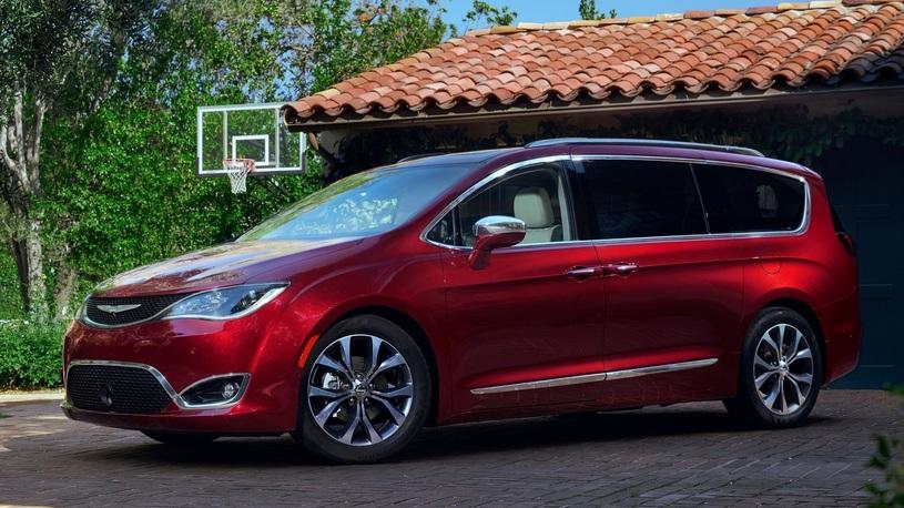 Минивэн Chrysler может перестать управляться из-за слабо затянутого болта