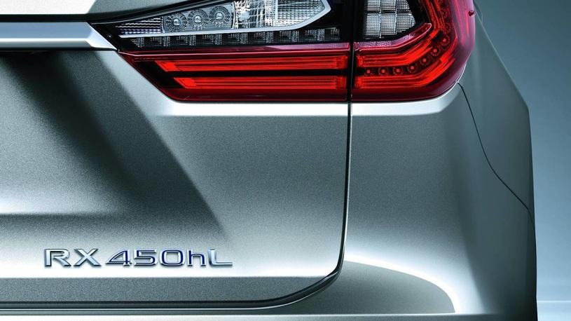У кроссовера Lexus RX появится семиместная версия