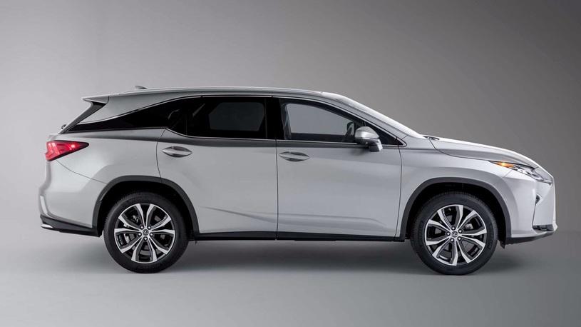 Названы российские цены на семиместный Lexus RX