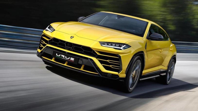 Россияне ажиотажно скупают Lamborghini  - как соль и спички