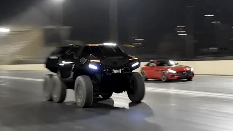 Шестиколесный внедорожник-танк