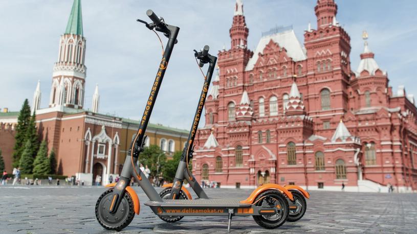В России возьмут под контроль электросамокаты и гироскутеры