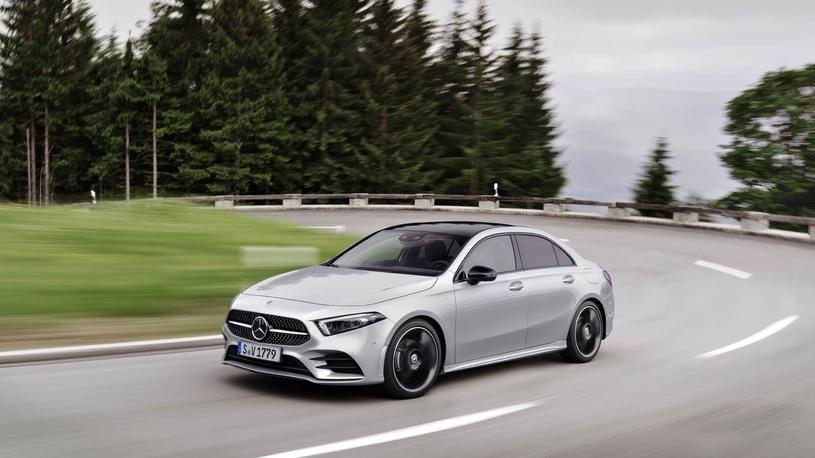 В России открылся прием заказов на новый седан Mercedes-Benz