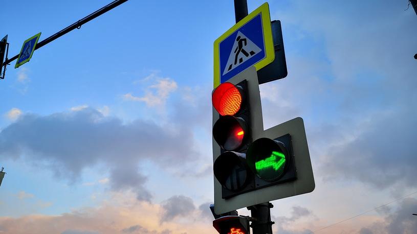 Московским водителям придется дольше томиться на светофорах