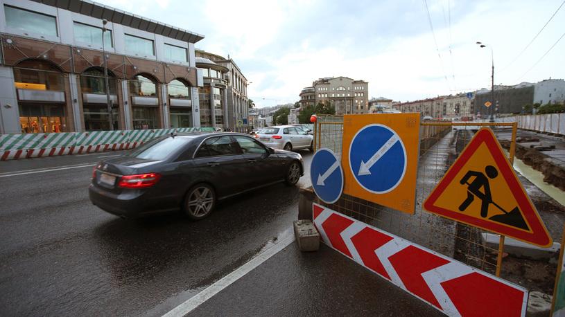 Водители возмущаются аварийными последствиями ремонта столичных улиц