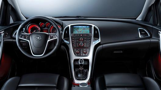 Новая Opel Astra похвасталась интерьером
