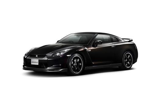 Nissan показал журналистам обновленный GT-R