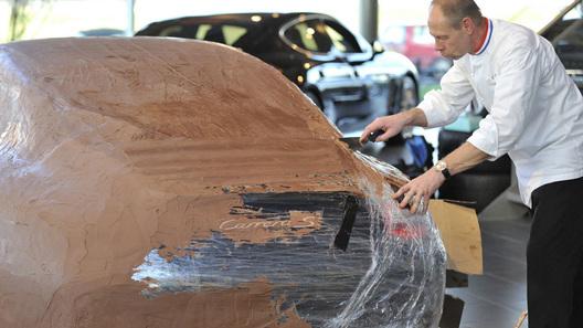 Шоколадный Porsche 911 Carrera S - что еще нужно для праздника?
