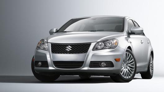 Россияне смогут приобрести новый седан Suzuki Kizashi за 995 000 рублей