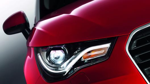 Audi официально представила компактную модель A1