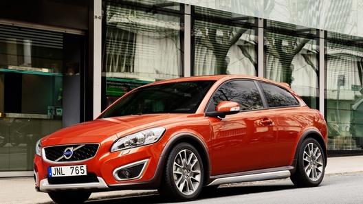 Volvo работает над кроссовером и пятидверной версией хэтчбека С30