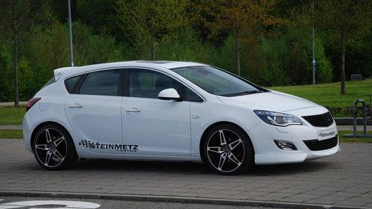 Новый Opel Astra в обвесе от Steinmetz