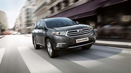 Toyota покажет в Москве новые Highlander и Hilux